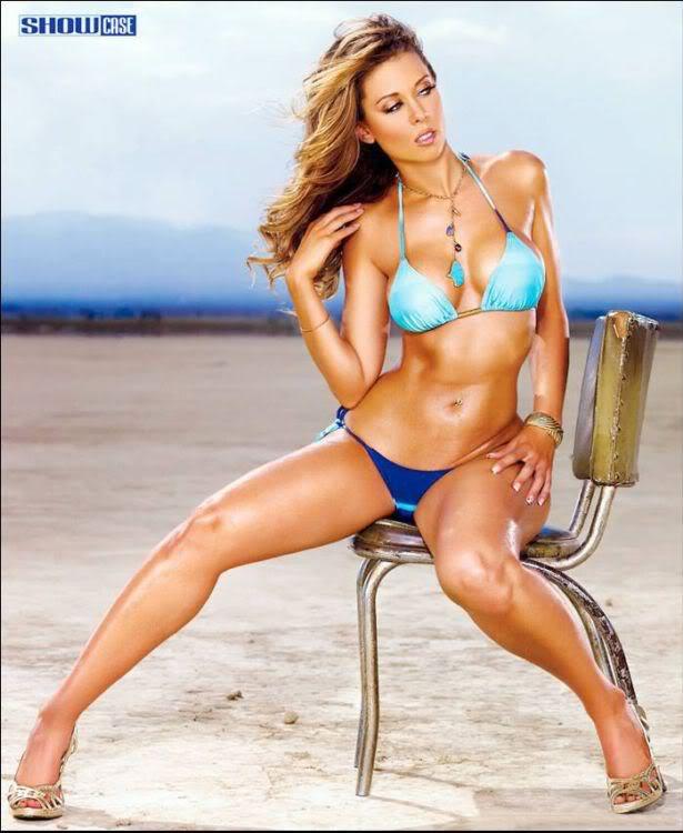 Hot Bombshell Laura Dore Bikini Show