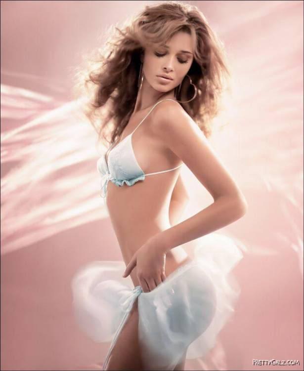 Beautiful Victoria's Secret Hollywood Celebs