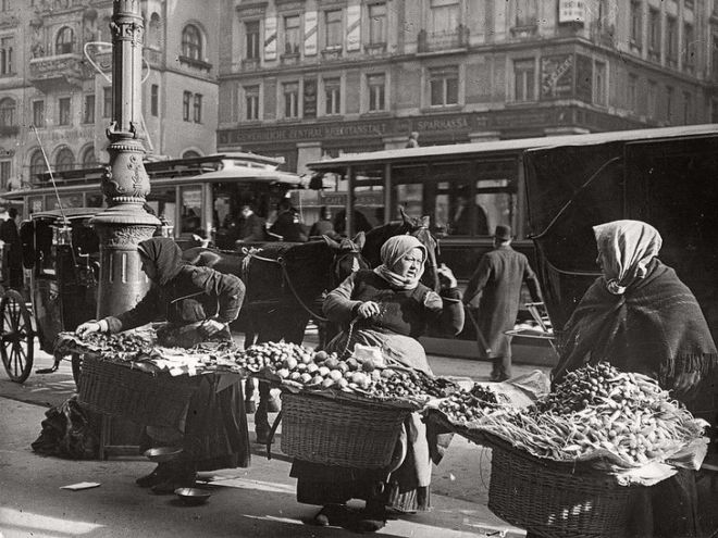 18 Magnificent Historical Pictures From The Past Century
