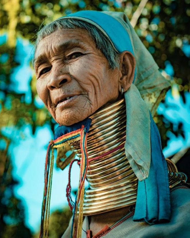 A Mysterious Story About The Long-Necked People