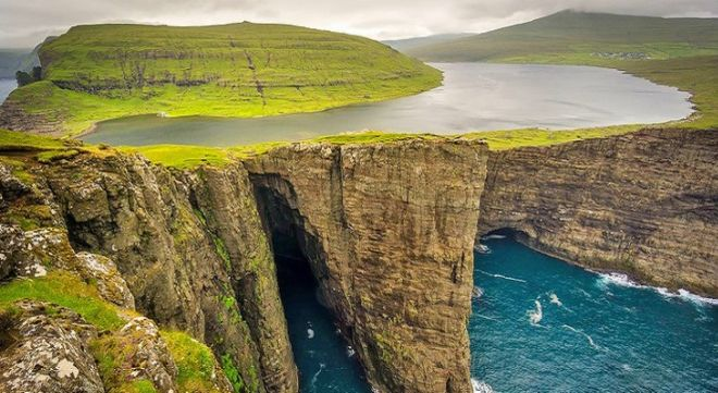 14 Breathtakingly Beautiful Places You Must Visit In A Lifetime