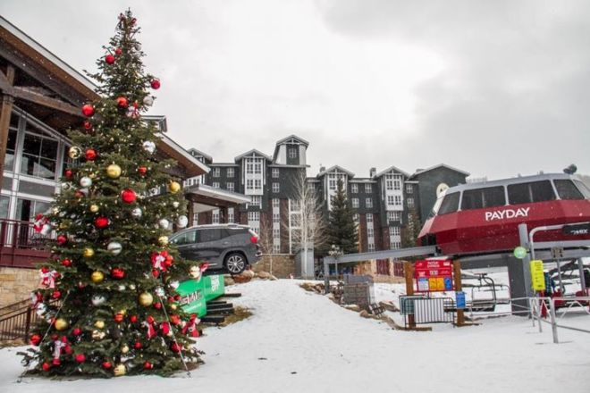 Top 11 Best Christmas Towns In The United States