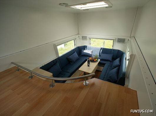 Amazing Home Inside a Truck