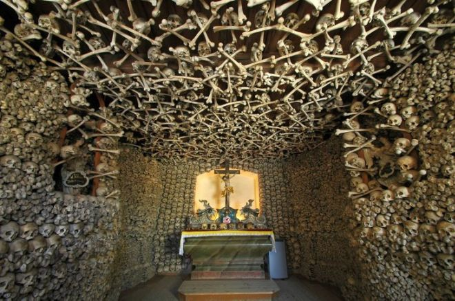 7 Spooky Crypts That Will Scare The Hell Out Of You