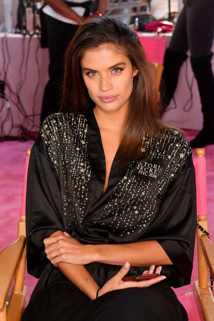 Sara Sampaio Smiles At Victoria's Secret Fashion Show 2018