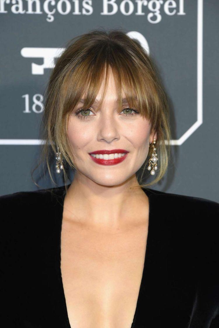Elizabeth Olsen In Black At 24th Annual Critics Choice Awards