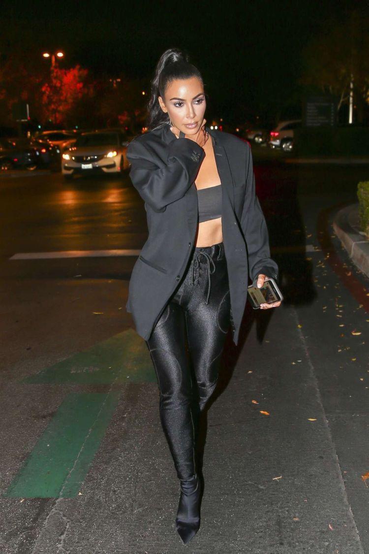 Kim Kardashian Candids Outside Sugarfish In Calabasas