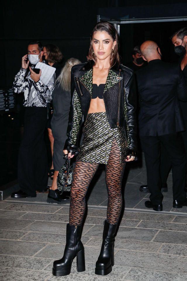 Pretty Camila Coelho At Versace Fashion Show In Milan