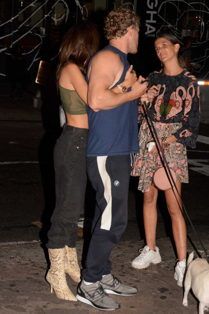 Emily Ratajkowski Out For A Night Out In New York