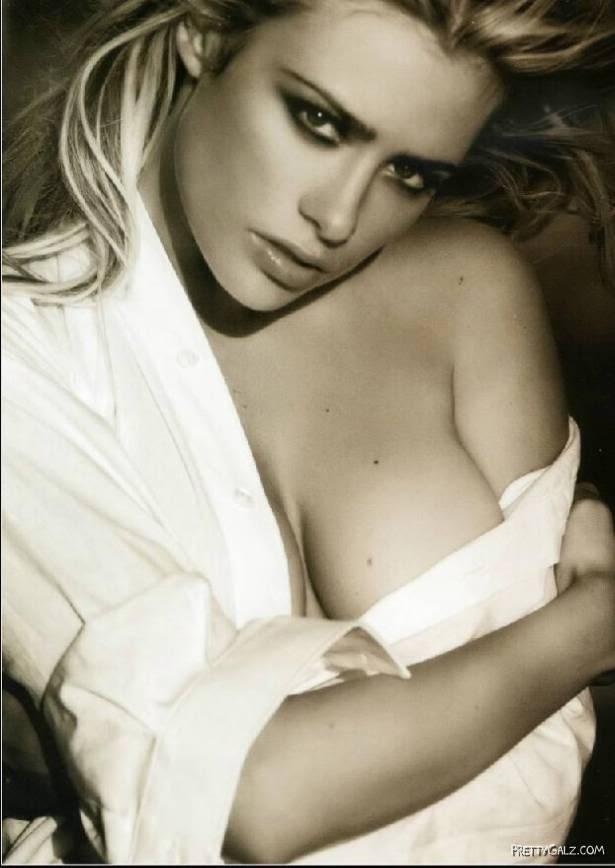 International Babe of the Day: Martina Stella