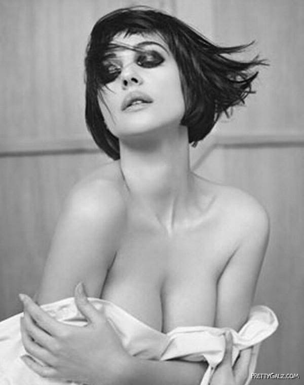 Famous Glam Model Monica Bellucci